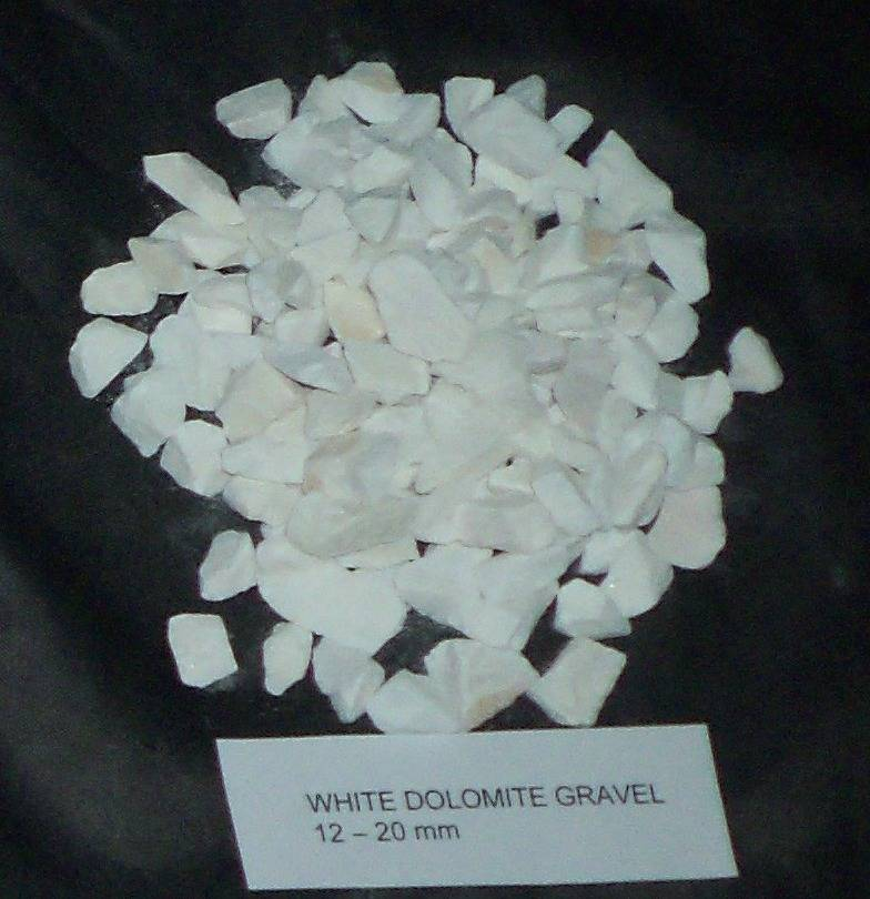 We sell marble chips, 99 % CaCO3 ,Natural calcite