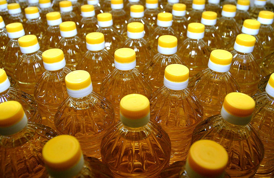 Sell Refined deodorized sunflower oil, PET bottle 1L, Ukraine