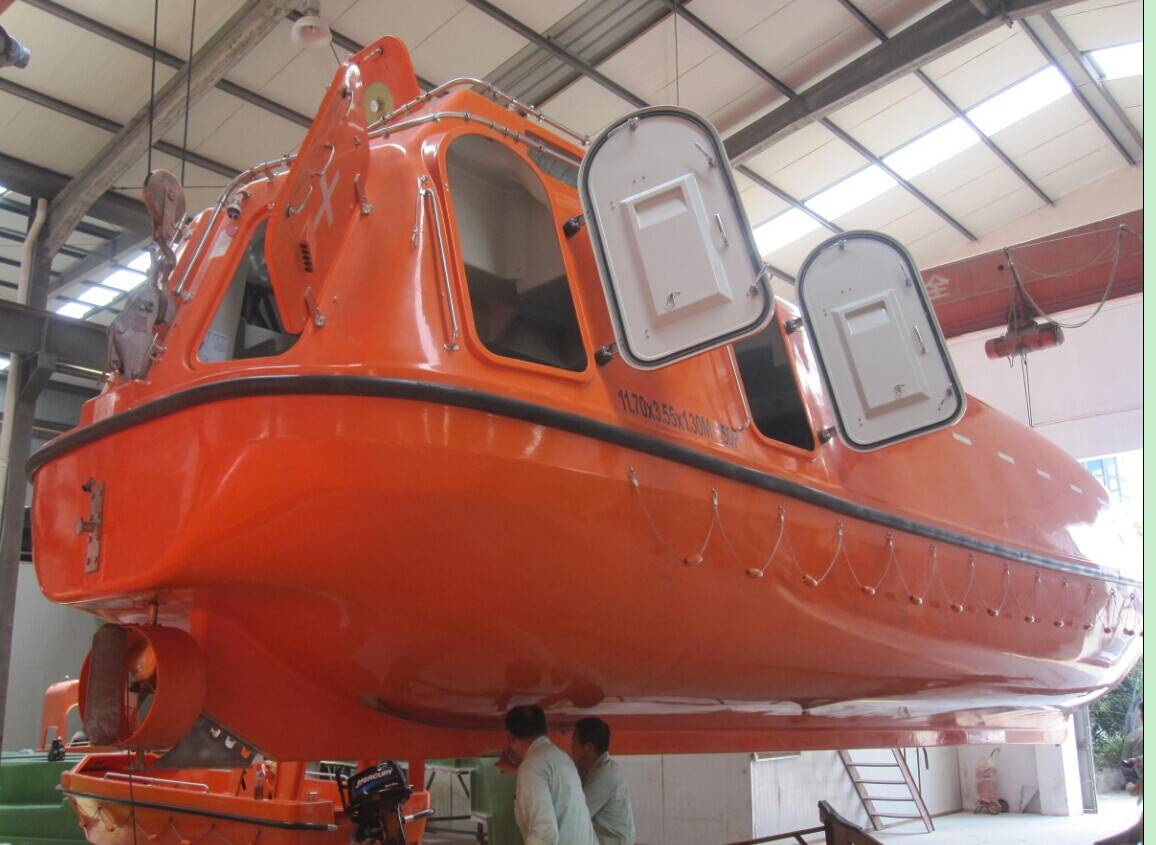 5M F.R.P enclosed lifeboat/Rescue boat
