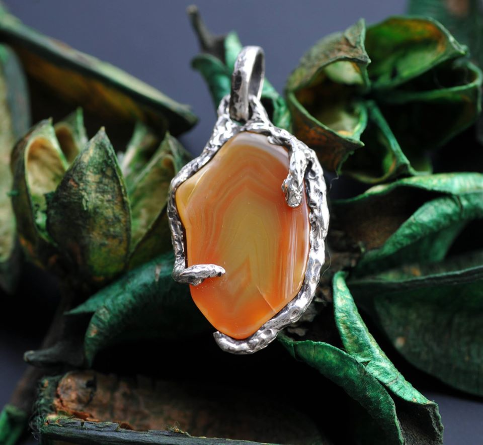 Handmade sterling silver jewelry with raw rough agates gemstones