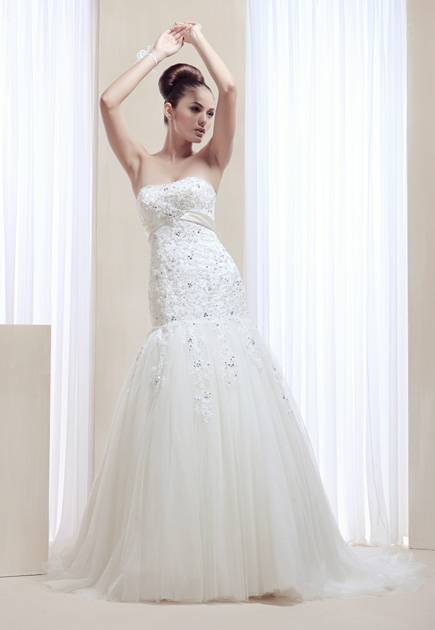 Strapless corset bodice lace beaded applique embroidery mermaid wedding dress with court train