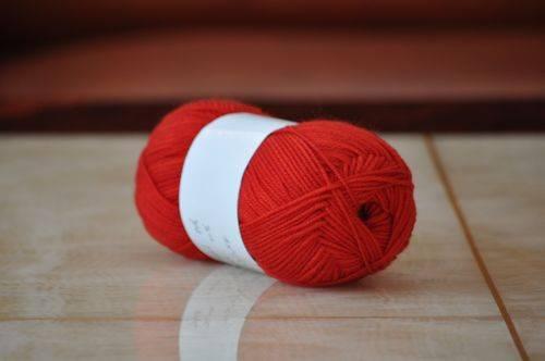 Pure wool yarn for hand knitting