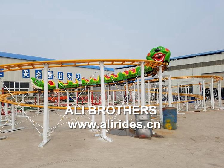 Family amusement park machine wacky worm mini caterpillar ride roller coaster for sale