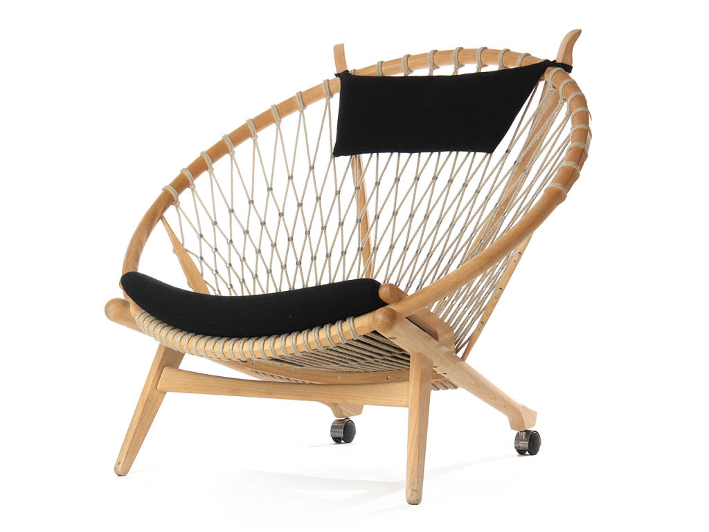 Danish Design PP130 Circle chair designed by Hans Wegner