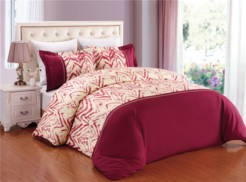 Bedding set printed duvet cover set with embroidery