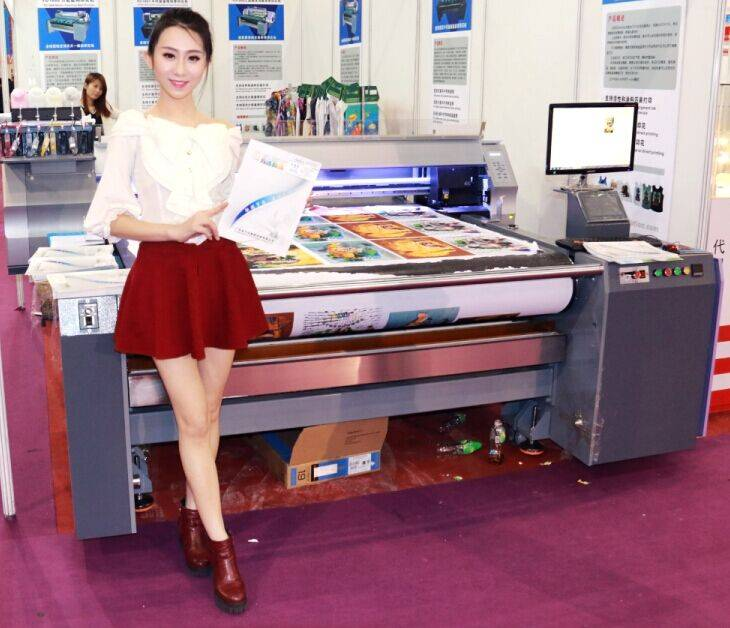 T-Shirt Printer with Speed 200PCS Per Hour with Pigment Ink