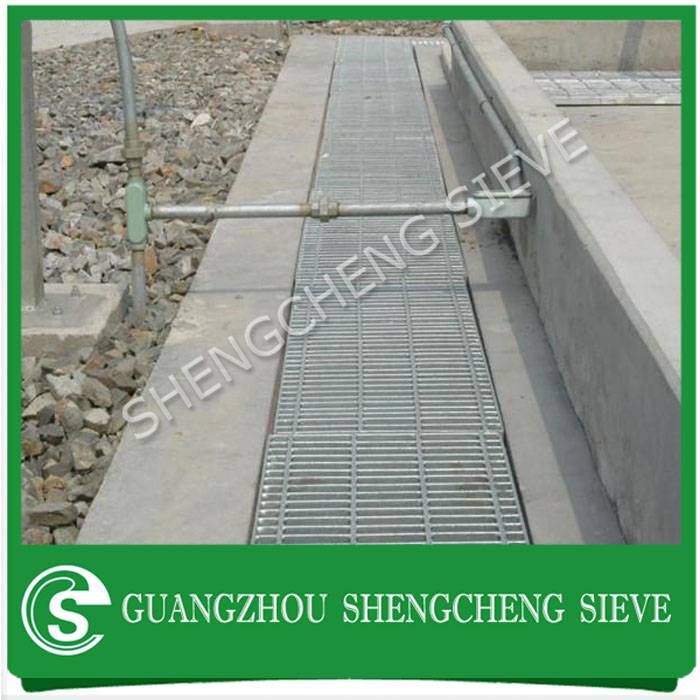 Factory direct price quality anti-corrosion galvanized road drainage matel grating for sale