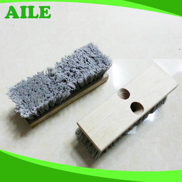 Yiwu High Quality Dust Cleaning Wooden Broom With pp Hair