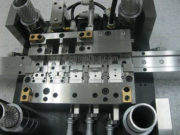 High precision stamping tooling