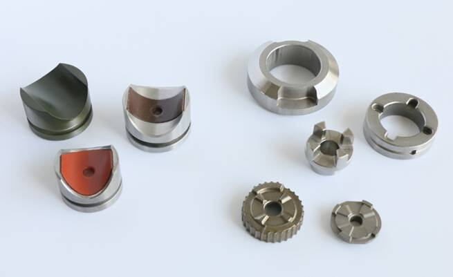 Powder metallurgy adjustor for pinion and rack steering system