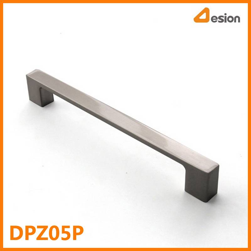 Zinc Alloy Pull in 128mm with Brushed Nickel Plating