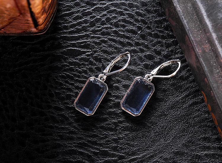Younger Generation OEM earrings From Gloden Manufacturer