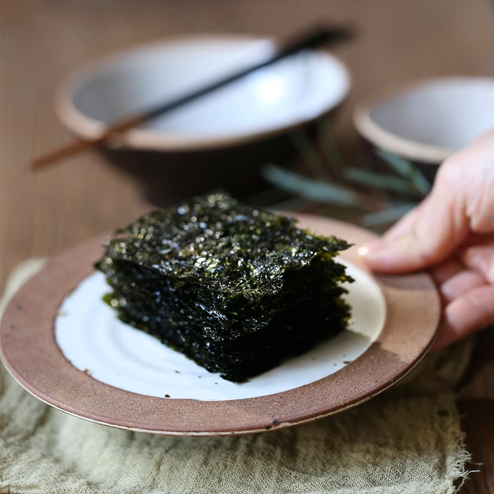 Korean seaweed Nakhwaseng-gim