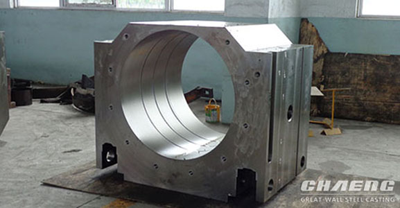 Cast steel bearing chock for cement mill