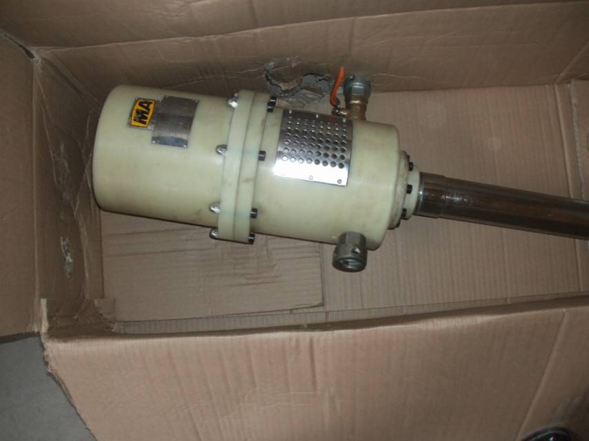 Hand type grouting pump