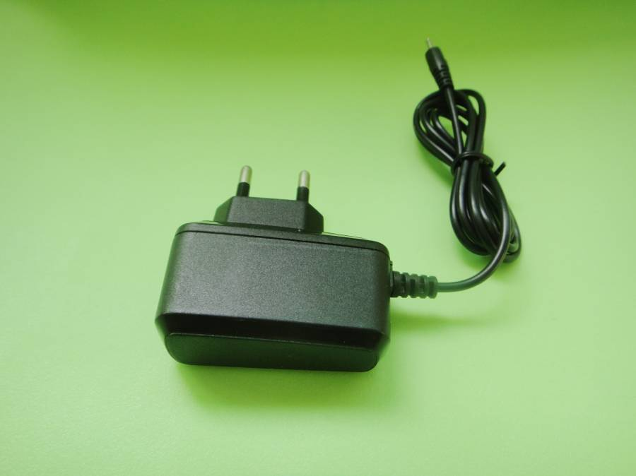 Smartphone Charger, Rapidly Charges Smartphones, 5V DC Output Voltage GYS-002