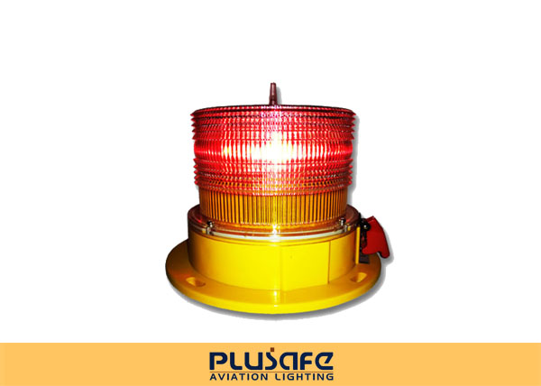 PC Fresnel Lens Solar L810 Aviation Warning Light 32cd Steady Burning For Poles
