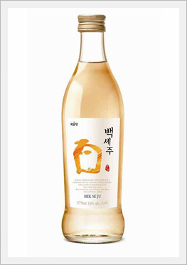 Korean Traditional Alcoholic Beverage 'Bekseju' (Rice Wine)