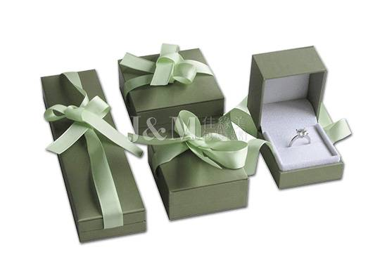 jewellry boxes with ribbon
