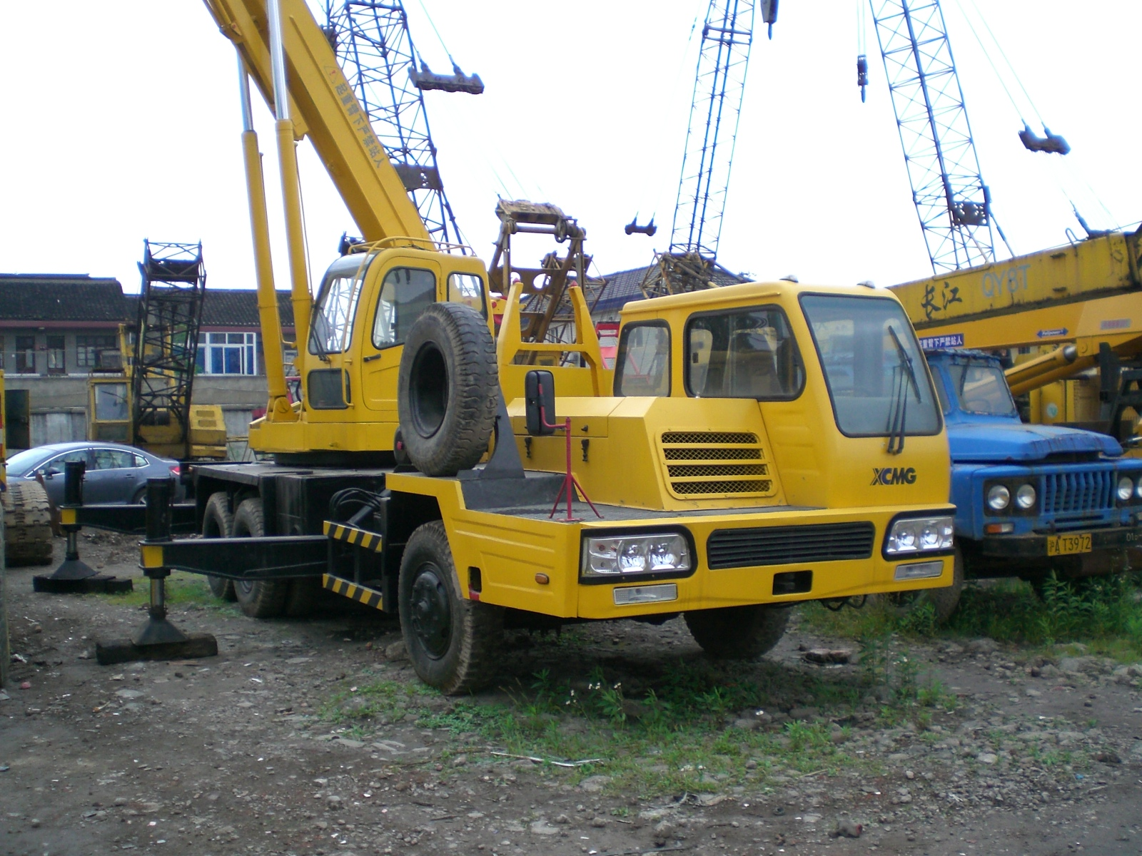 Used 15 16 ton XCMG truck mounted crane powerful and nice performance hydraulic lifting machine sale