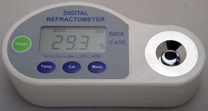 held hold refractometer