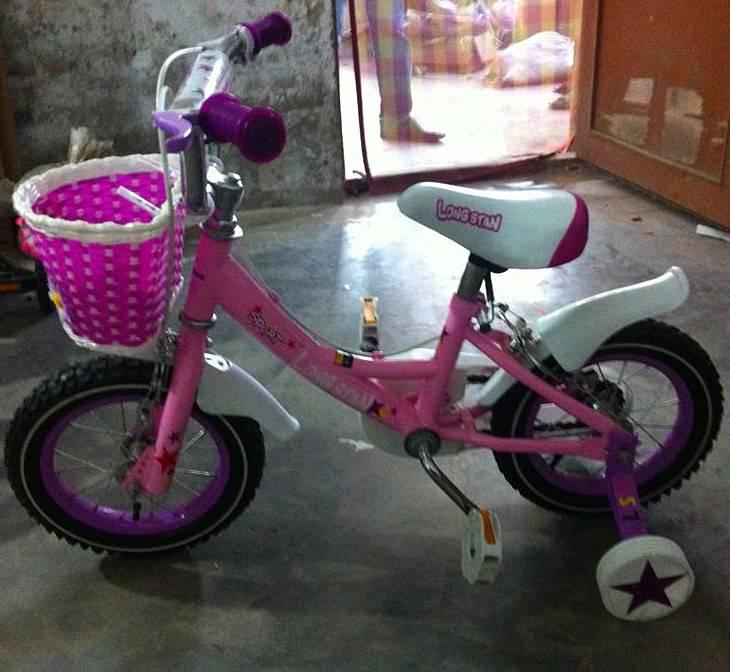 bicycles_2013_new_girl bicycle_girl like_12''_BMX