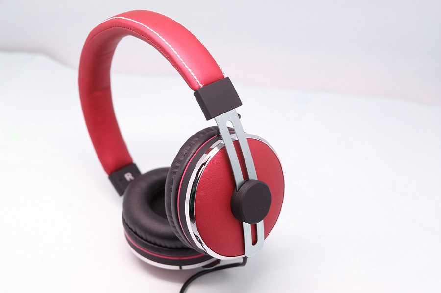 High Quality Stereo Sound Music Wired Headphone with in-line MIC