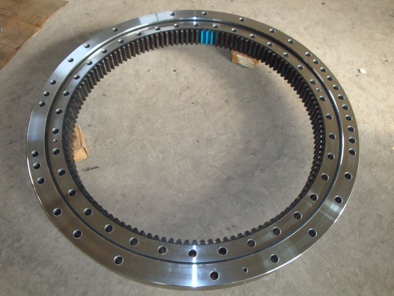 011.20.250 Four-point conact ball slewing bearing with gear in inner ring