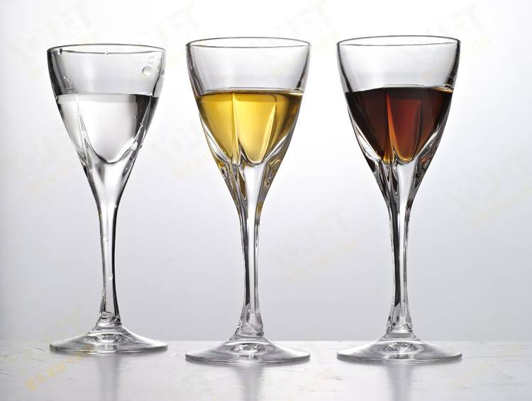 Fashion white wine glass