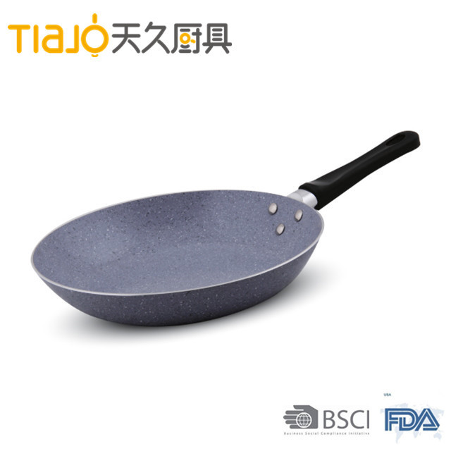 Aluminum frypan with ceramic marble coating