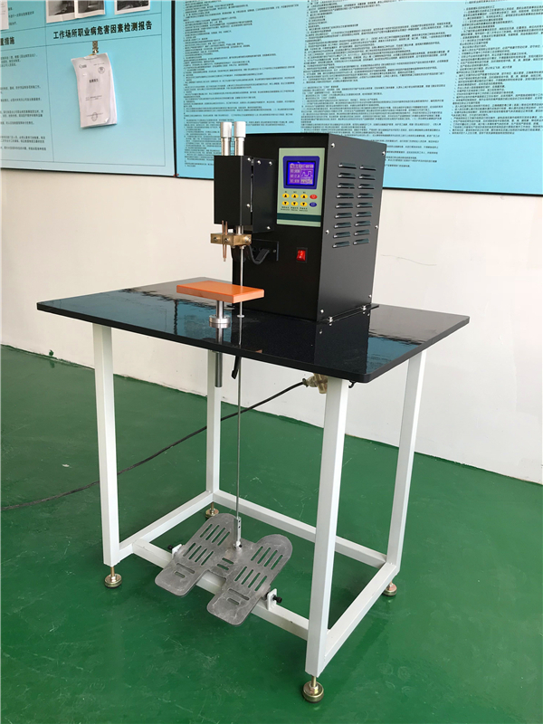 Professional 18650 spot welding machine which is good