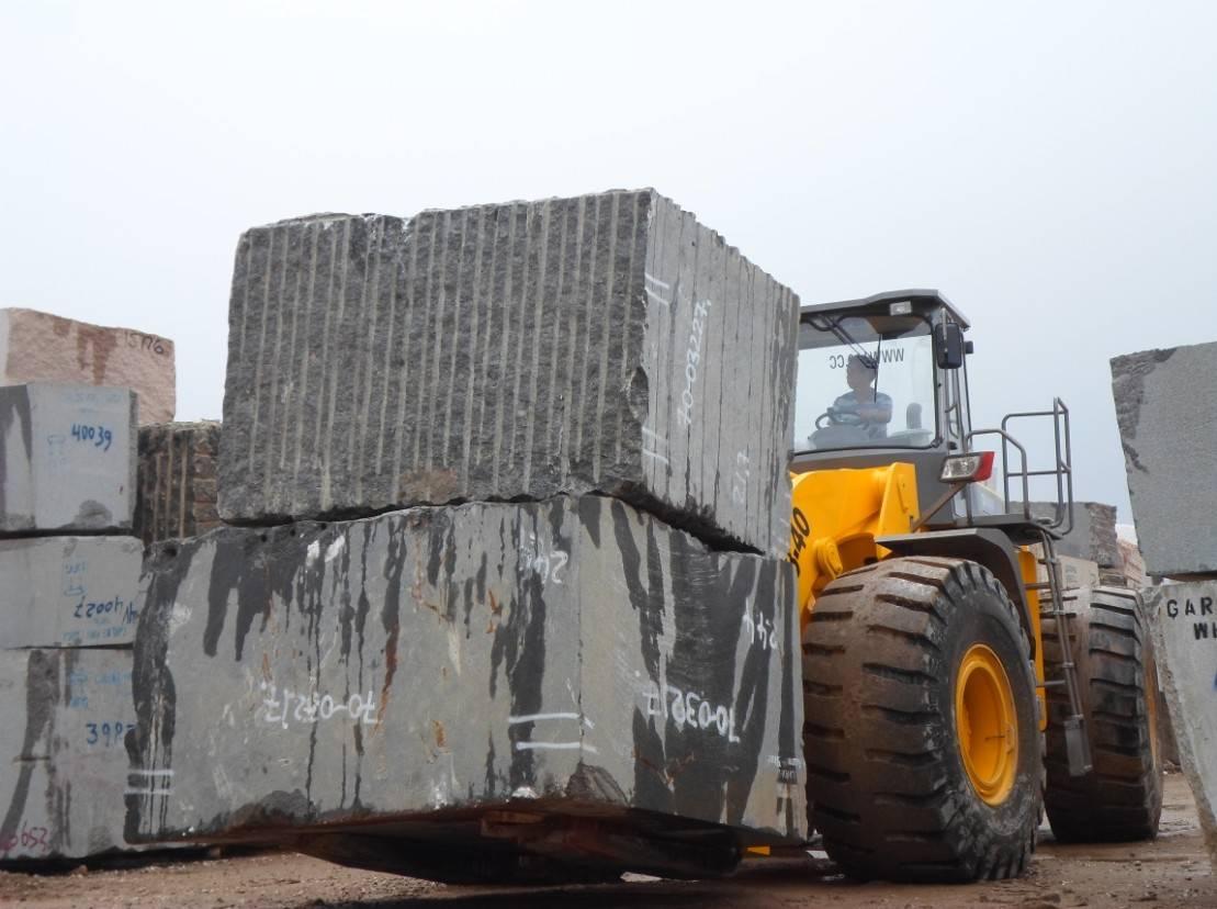 Granite block handling equipment