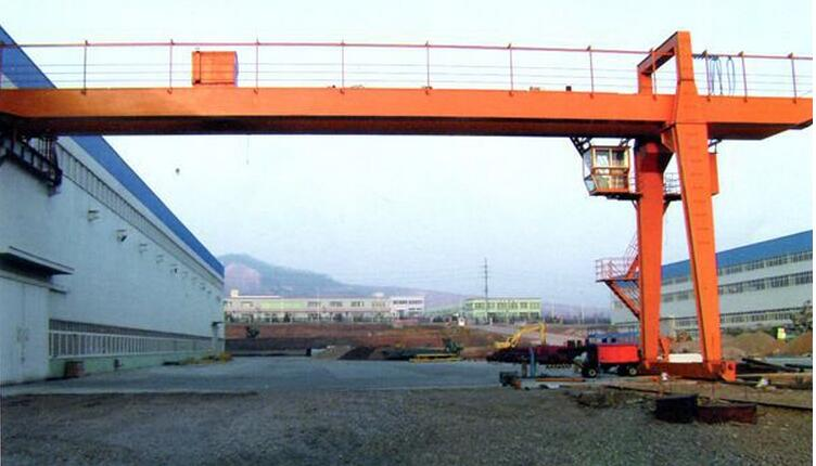 BMH semi gantry crane 10 ton