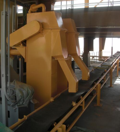 Conveying machine for potassium sulfate production line