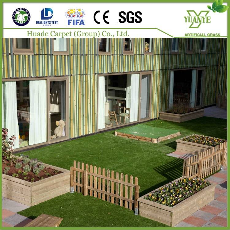 Different designs and color synthetic grass for kindergarten