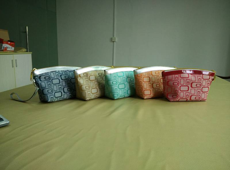 RT geometrical pattern-5 cosmetic bag