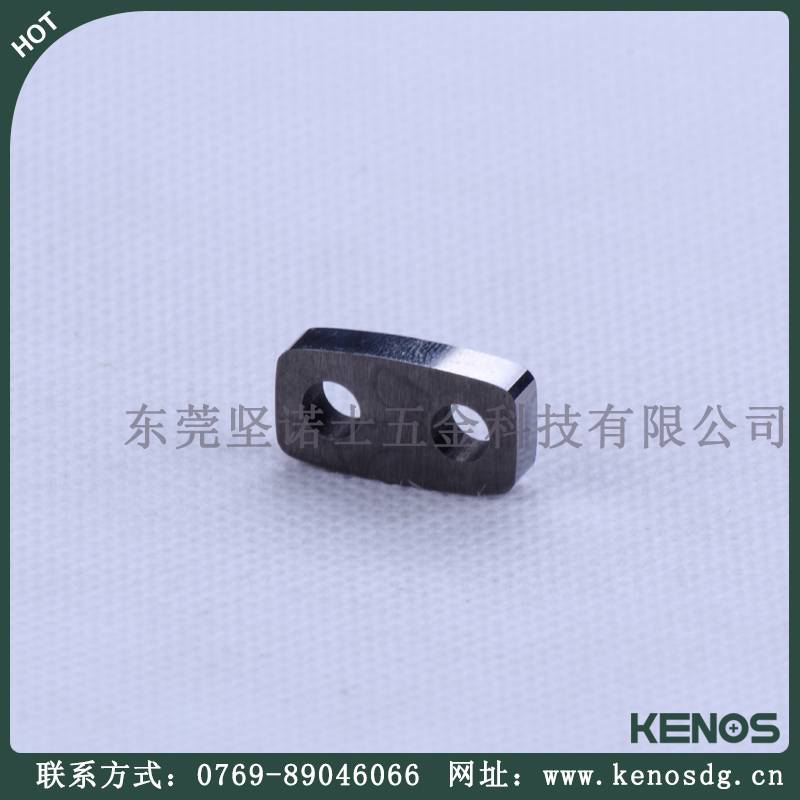 Supply power feed contacts