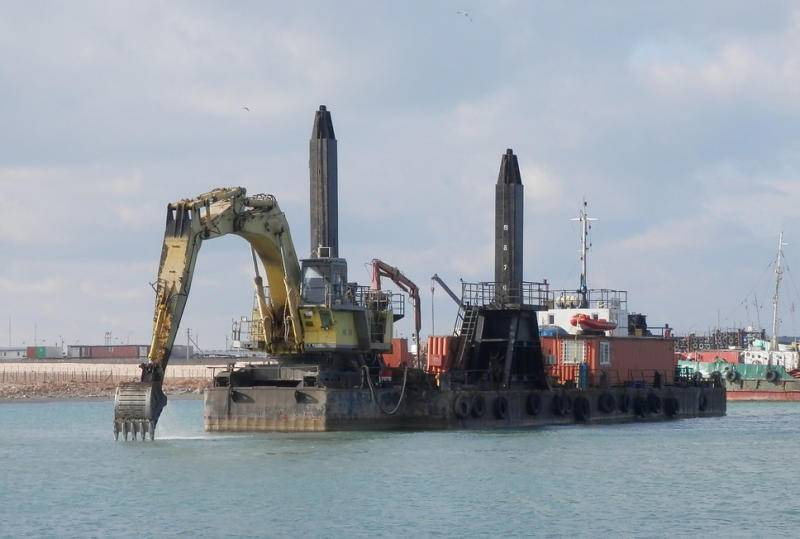 [DRG022] Non self-propelled backhoe dredger