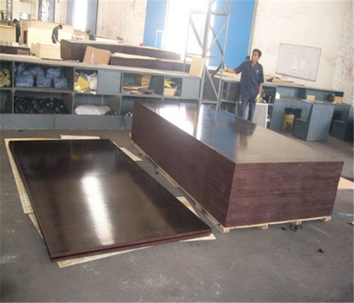 Poplar Core Wbp 18mm Construction Film Faced Plywood Cheap Price