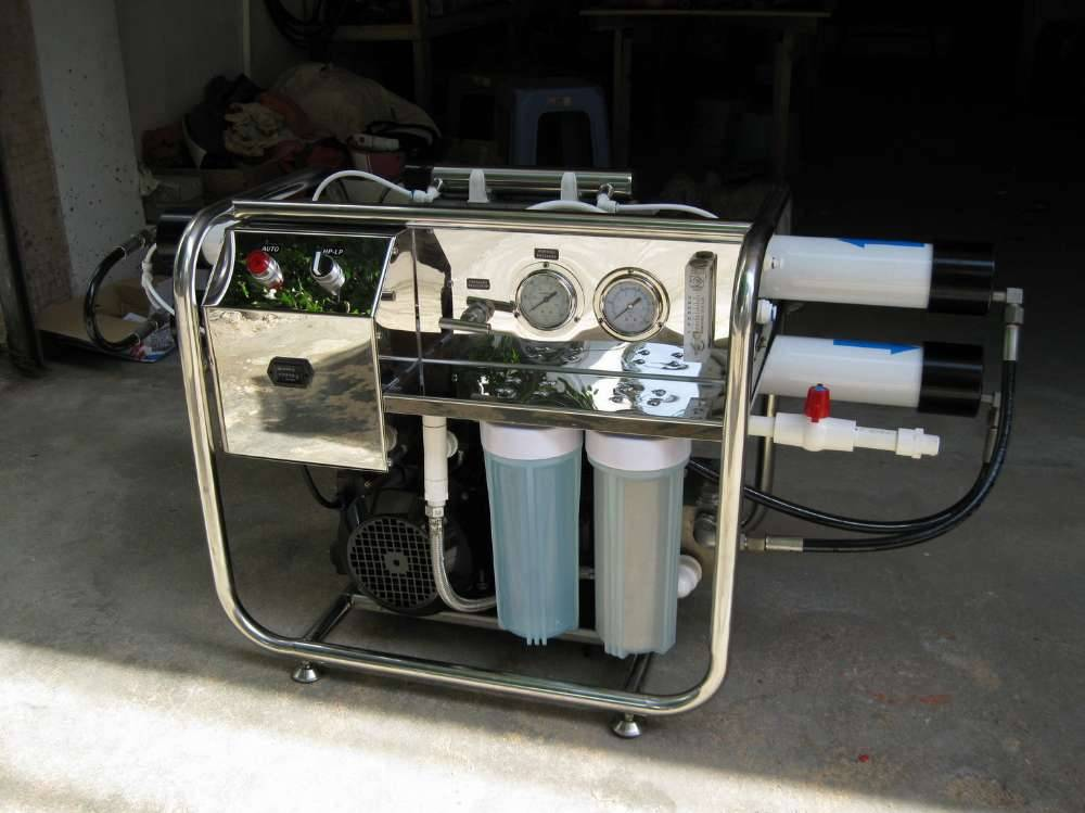 Portable RO Seawater Desalination System For Shipping Boats, Yachts