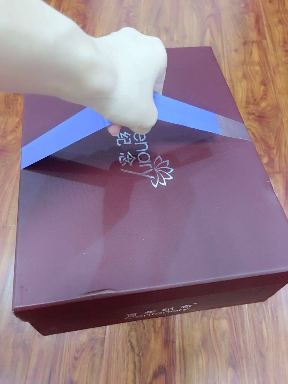 carry handle for shoe box with your brand