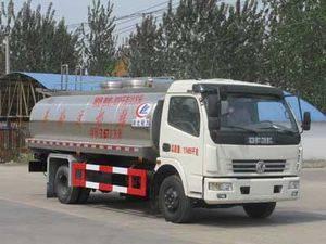 Dongfeng 4*2 7.7cbm liquid food tanker truck