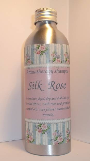 "Organic and volumizing aromatherapy shampoo ""Silk Rose"""