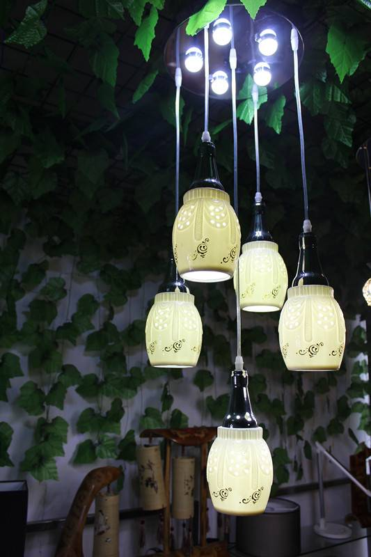 five golden flowers pendant lamp with led bulb
