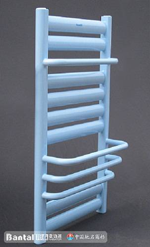 Special radiator for bathroom with towel heating rack