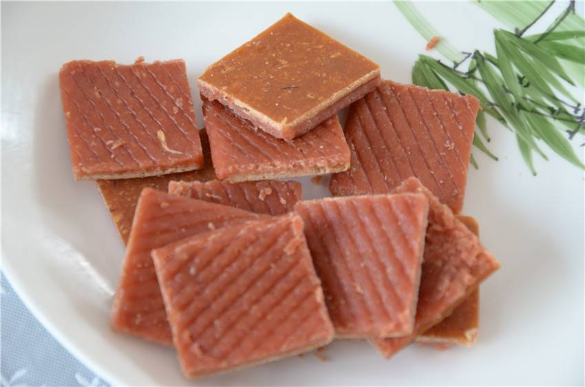 mixed pet food with chicken,lamb,cod,beef and other material
