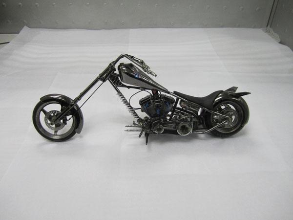 Die-cast zinc alloy motorcycle manufacture