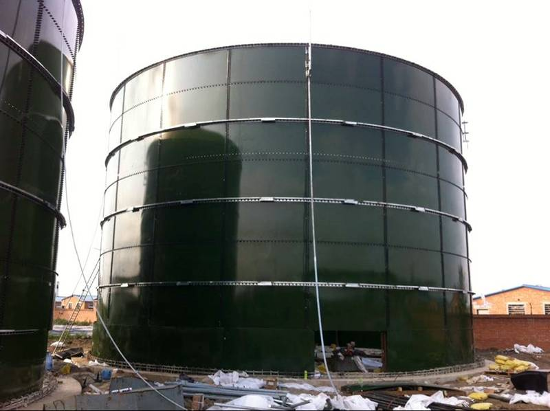 High corrosion potable water storage tank with beautiful appearance