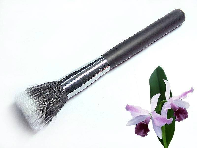 Powder Brush. Mineral Powder Brushes