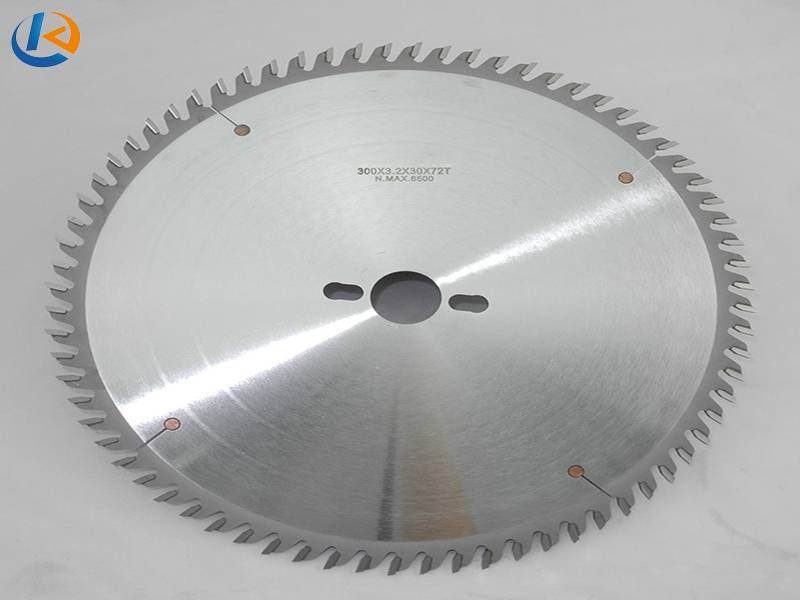 Cross Cutting TCT Saw Blades